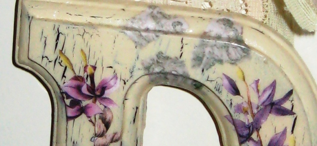 You are browsing images from the article: Decoupage Letters